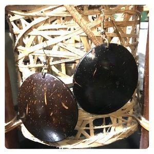 NWOT. Coconut earrings 🌴🥥